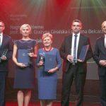 Grażyna Ginalska i Anna Belcarz odbierają nagrodę